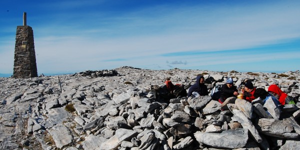 En la cima de La Maroma, muertos de frio