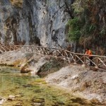Jose, admirando el curso del río Borosa